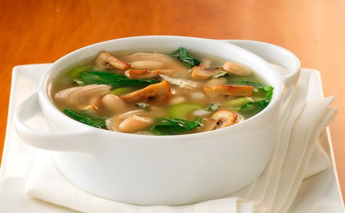 Kurutulmuş mantardan lezzetli ve zengin mantar çorbası: tarif